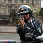 Oui, il est légal de photographier ou filmer un policier au Canada