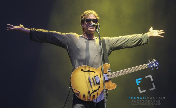 Third Eye Blind lors de leur concert au Festival d'été de Québec sur les plaines d'Abraham le 13 juillet 2014.