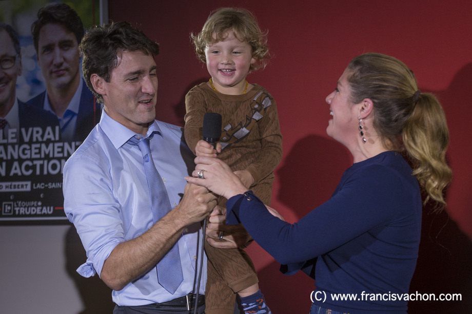 Justin Trudeau, Sophie Gregoire and their son Hadrien, 3, are seen during a liberal rally in Dolbeau-Mistassini, Qc, on Thursday October 19, 2017. THE CANADIAN PRESS/Francis Vachon.
