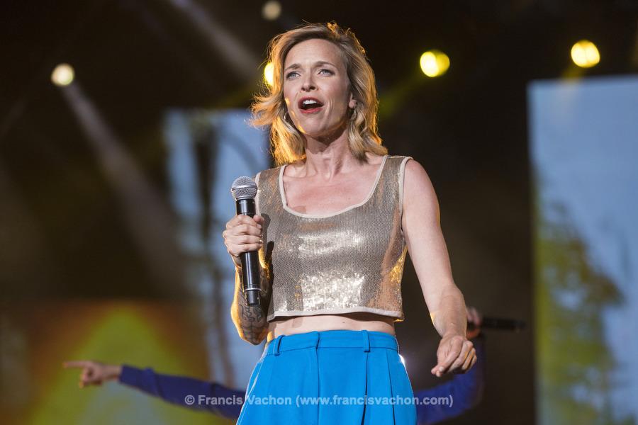 Brigitte Boisjoli chante sur scène lors de la fête nationale du Québec sur les Plaines d'Abraham à Québec le 23 juin 2019. Photo Francis Vachon pour Le Devoir.