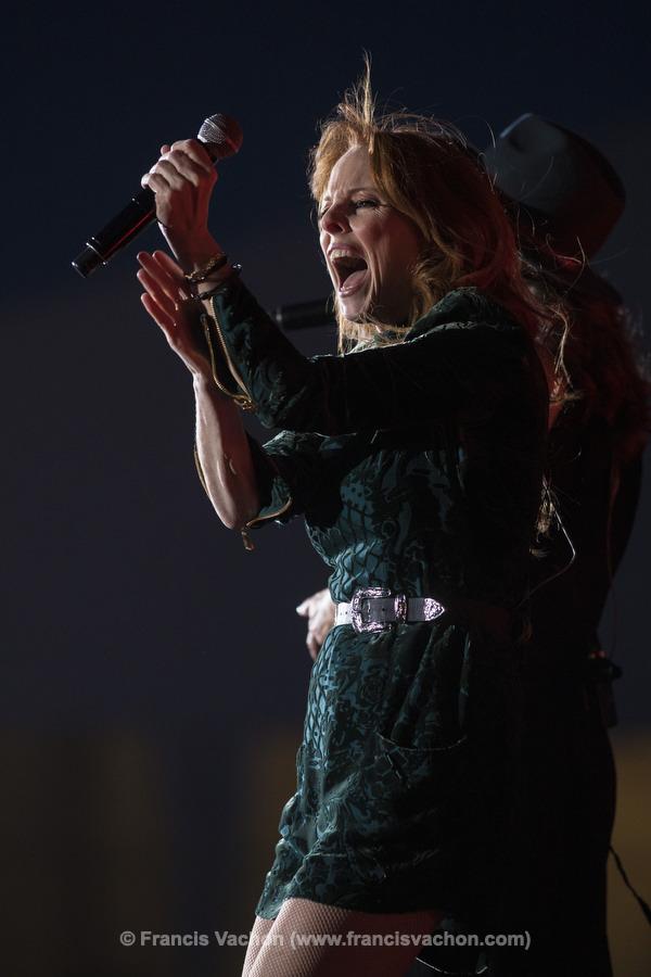 France D'amour chante sur scène lors de la fête nationale du Québec sur les Plaines d'Abraham à Québec le 23 juin 2019. Photo Francis Vachon pour Le Devoir.