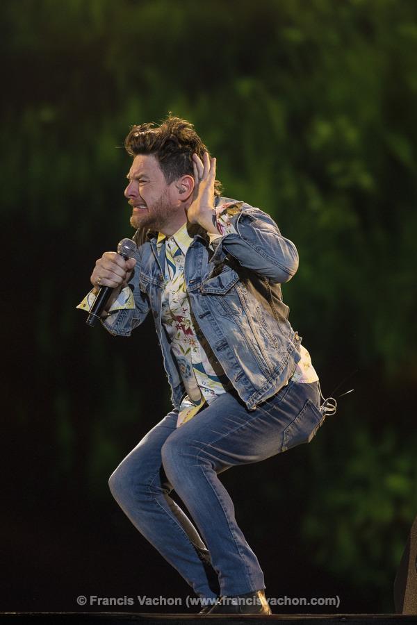 Yann Perreau chante sur scène lors de la fête nationale du Québec sur les Plaines d'Abraham à Québec le 23 juin 2019. Photo Francis Vachon pour Le Devoir.