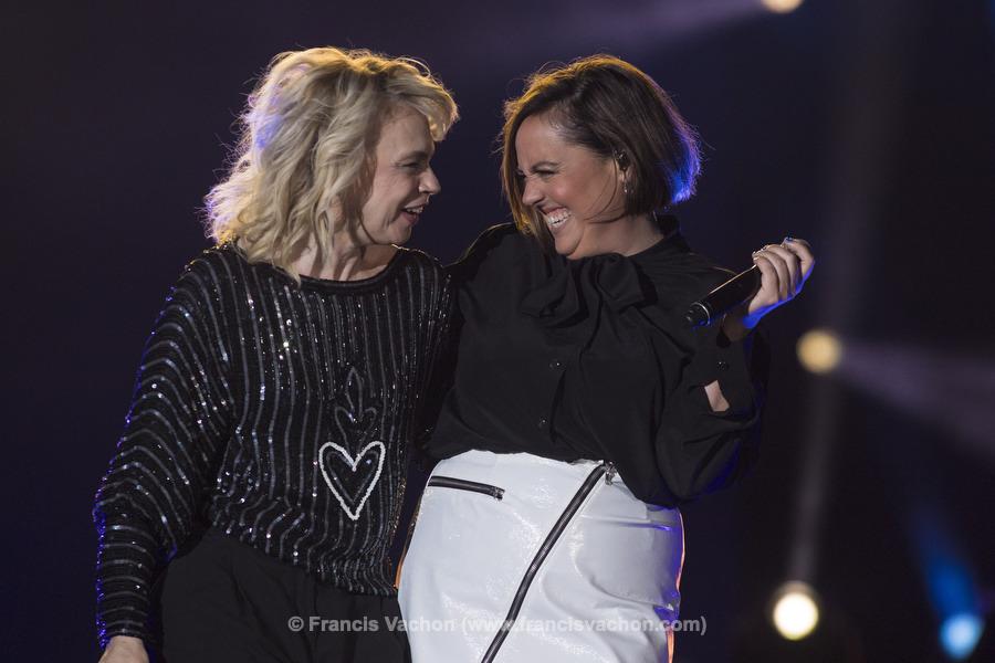 Martine St-Clair et Ariane Moffatt chantent sur scène lors de la fête nationale du Québec sur les Plaines d'Abraham à Québec le 23 juin 2019. Photo Francis Vachon pour Le Devoir.