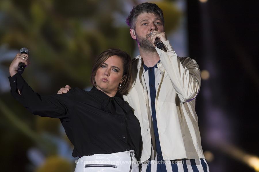 Ariane Moffatt et Pierre Lapointe chantent sur scne lors de la fte nationale du QuŽbec sur les Plaines d'Abraham ˆ QuŽbec le 23 juin 2019. Photo Francis Vachon pour Le Devoir.